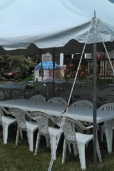 Pole Tent w/Tables and Chairs